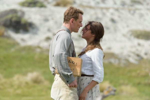 THE LIGHT BETWEEN OCEANS_1